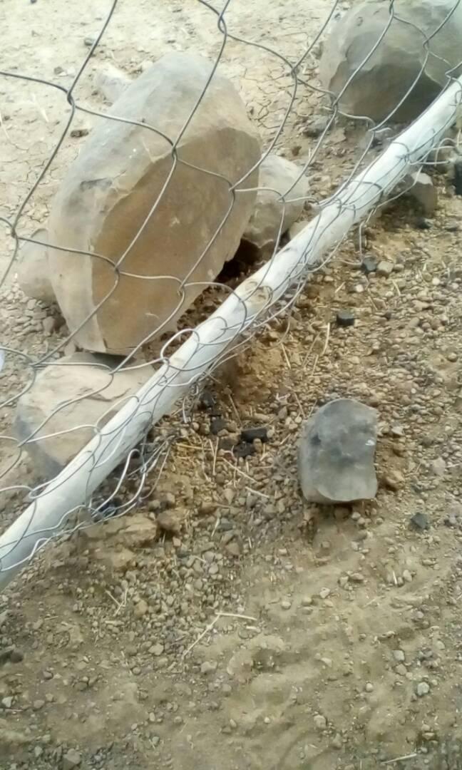 صورة من الحجار الموجودة بالمشروع
